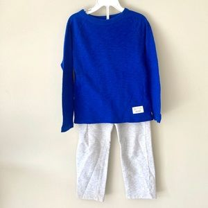 Gap long sleeve blue t with gray sweatpants 5